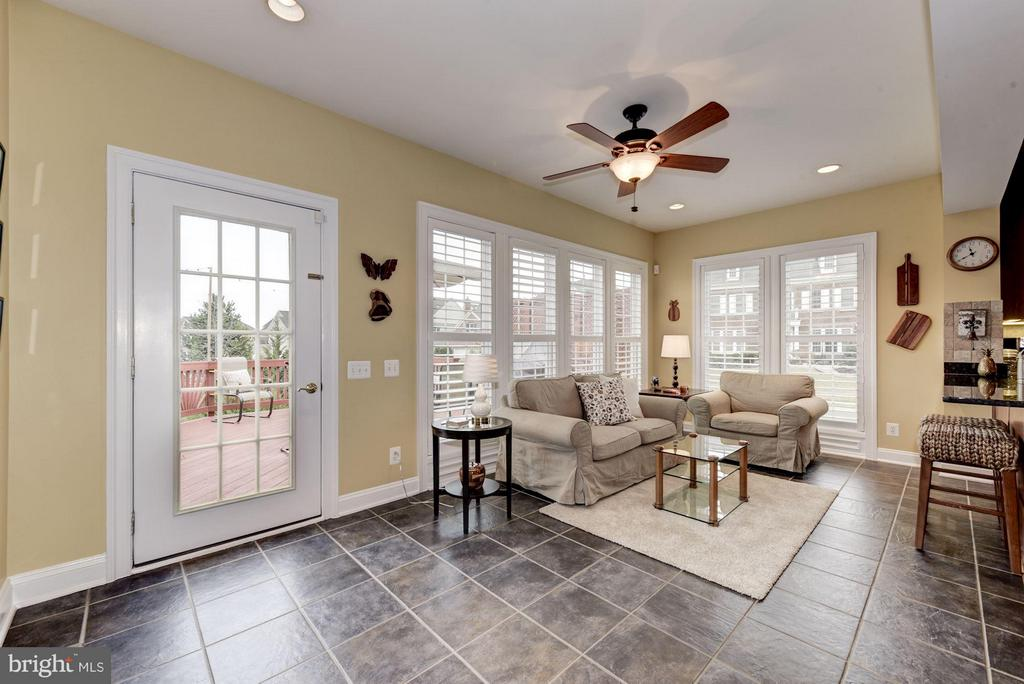 Beautiful Sun-Room Extension - 8928 RHODODENDRON CIR, LORTON