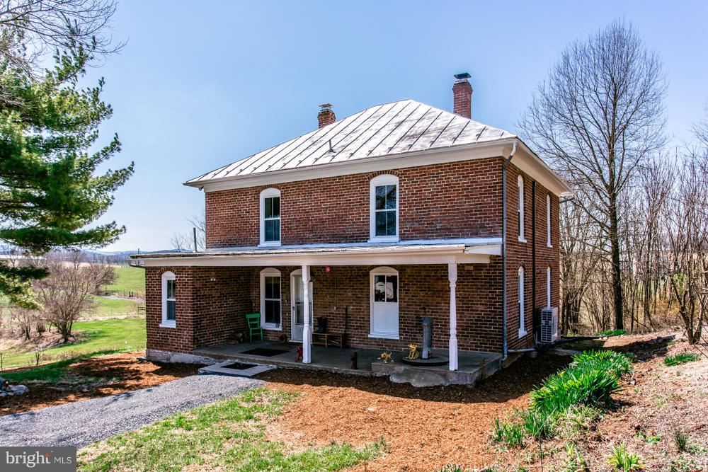 Single Family for Sale at 12717 Buckley Rd Timberville, Virginia 22853 United States