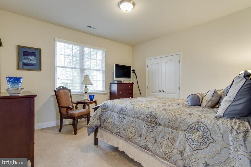 4th Bedroom upstairs - 1102 TOURNAI CT, WOODBRIDGE