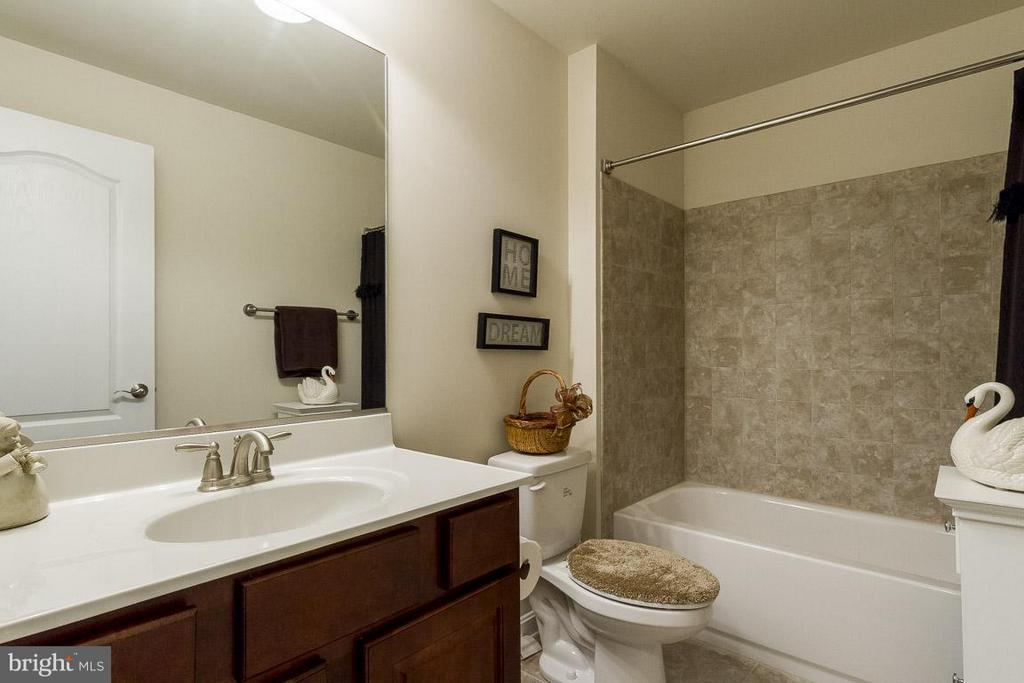 4th Full Bath in basement - 1102 TOURNAI CT, WOODBRIDGE