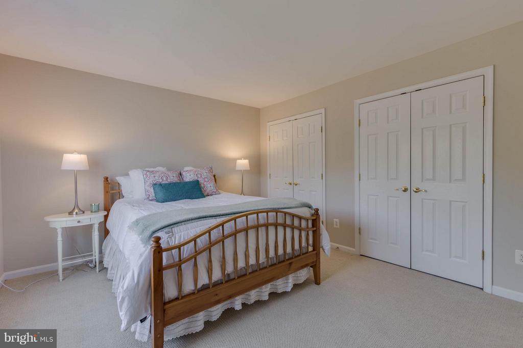 Bedroom 2 with Full Bath - 43008 BATTERY POINT PL, LEESBURG