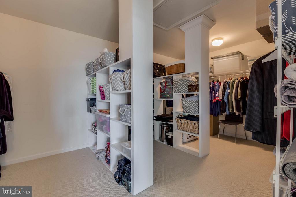 Master Bedroom Walk-in Closet - 43008 BATTERY POINT PL, LEESBURG