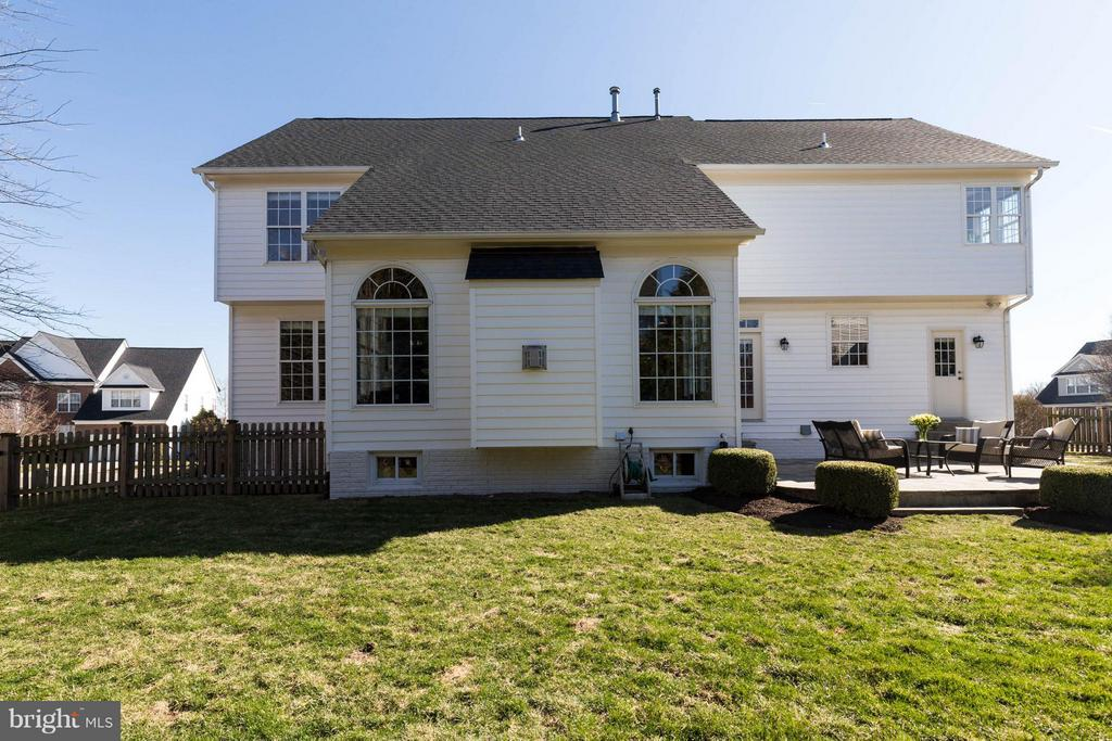 Large fenced yard - 43008 BATTERY POINT PL, LEESBURG