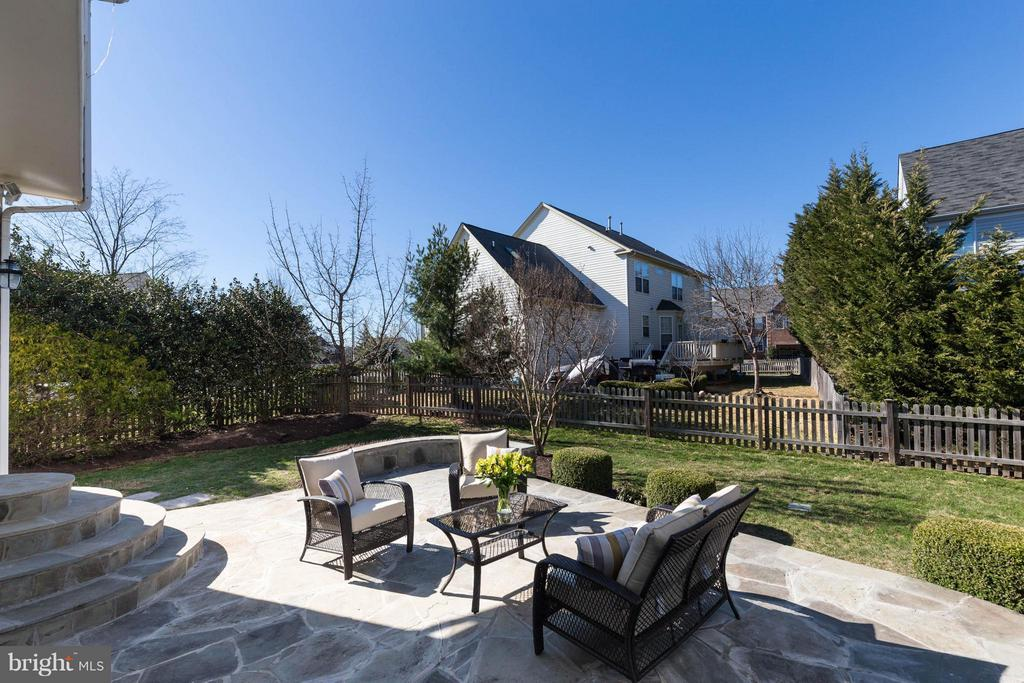 Stone Patio - 43008 BATTERY POINT PL, LEESBURG