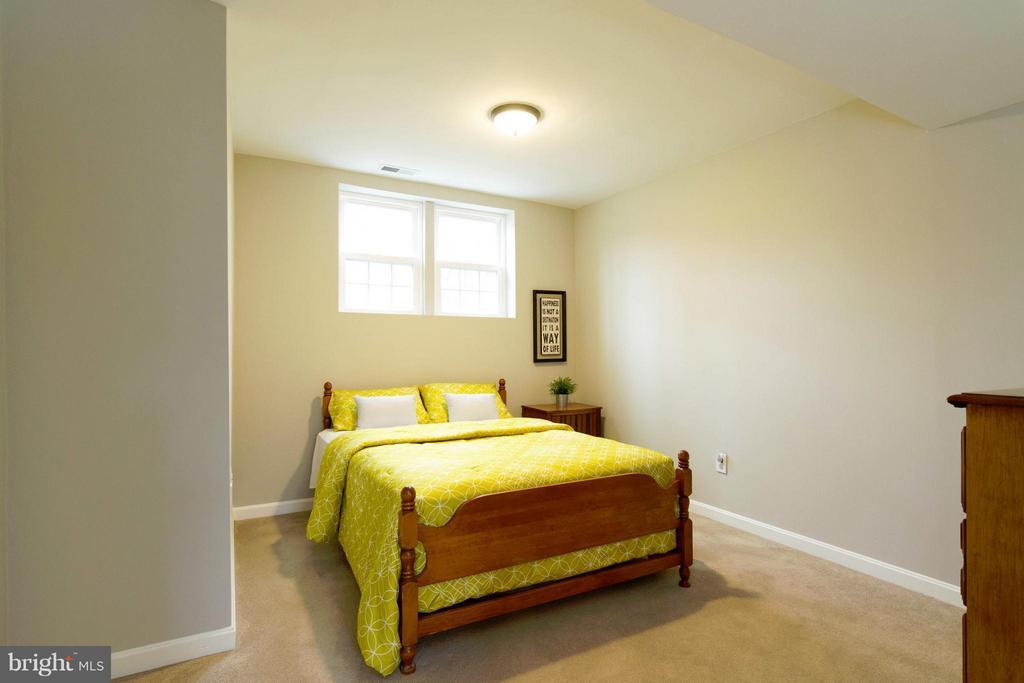 Basement In-law Suite - 13408 CARRAGEEN DR, MANASSAS