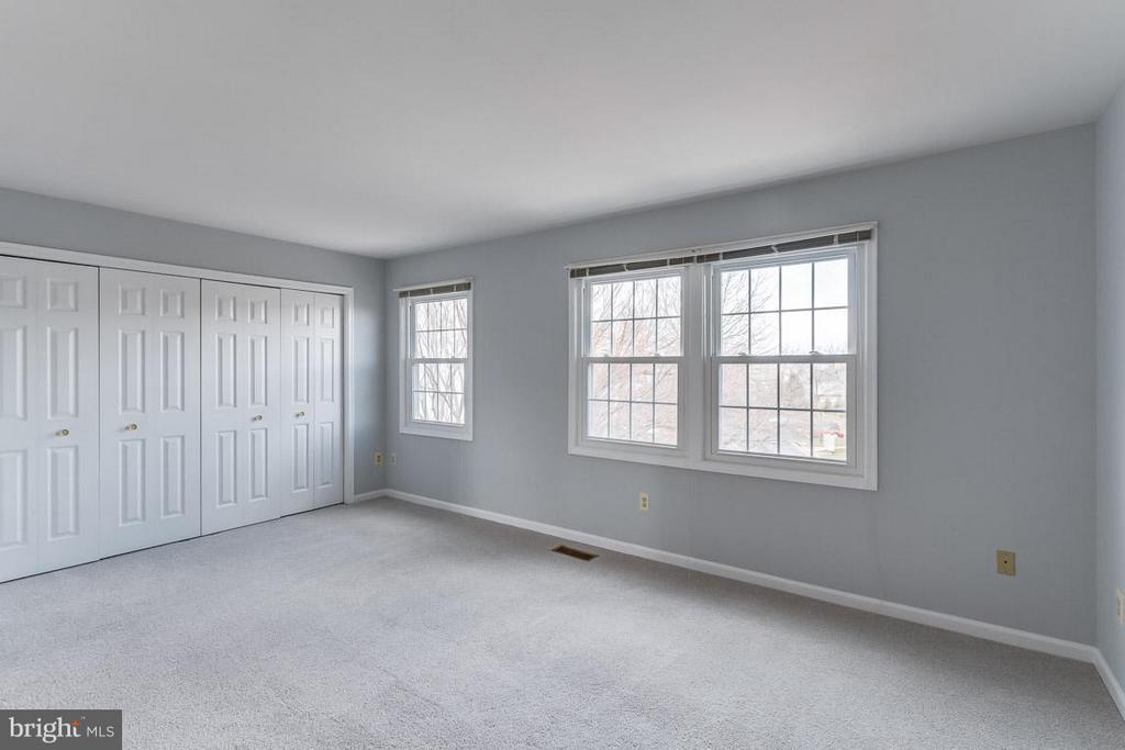 Bedroom (Master) - 21799 LEATHERLEAF CIR, STERLING