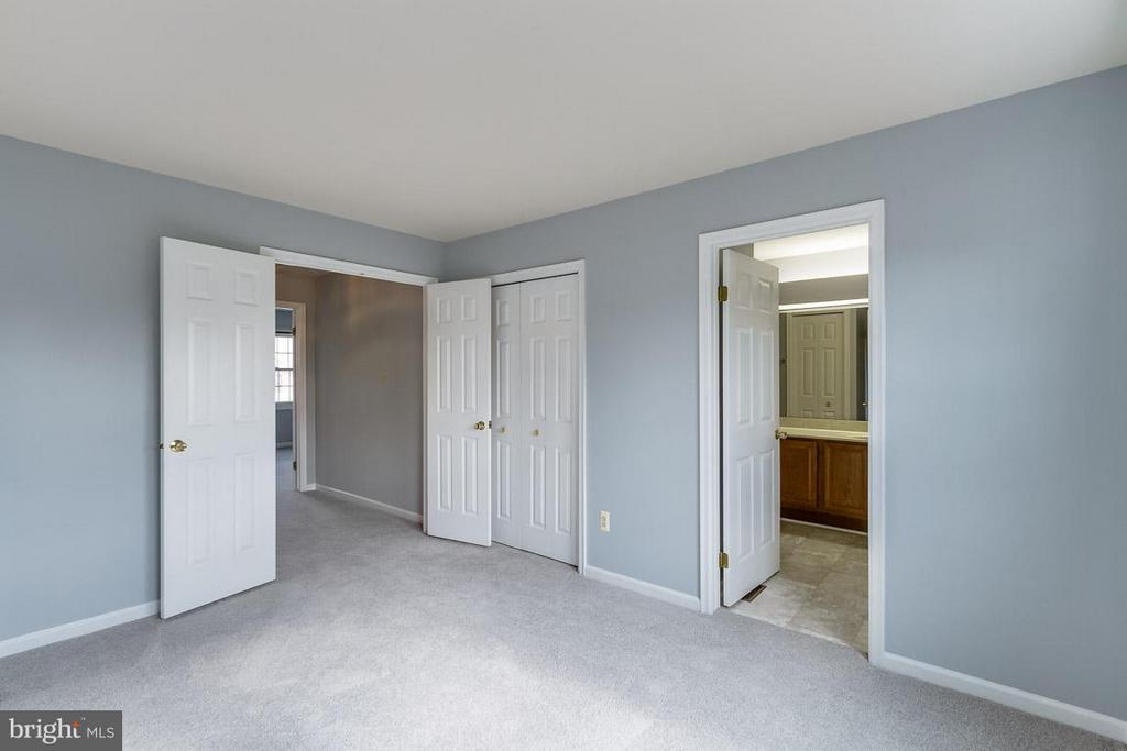 2nd Master Bedroom - 21799 LEATHERLEAF CIR, STERLING