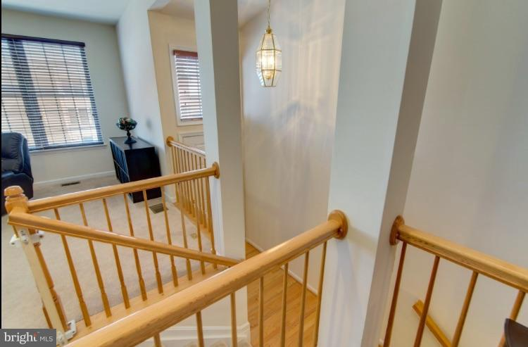 Entrance is spacious and open with abundance light - 9886 SOUNDING SHORE LN, BRISTOW
