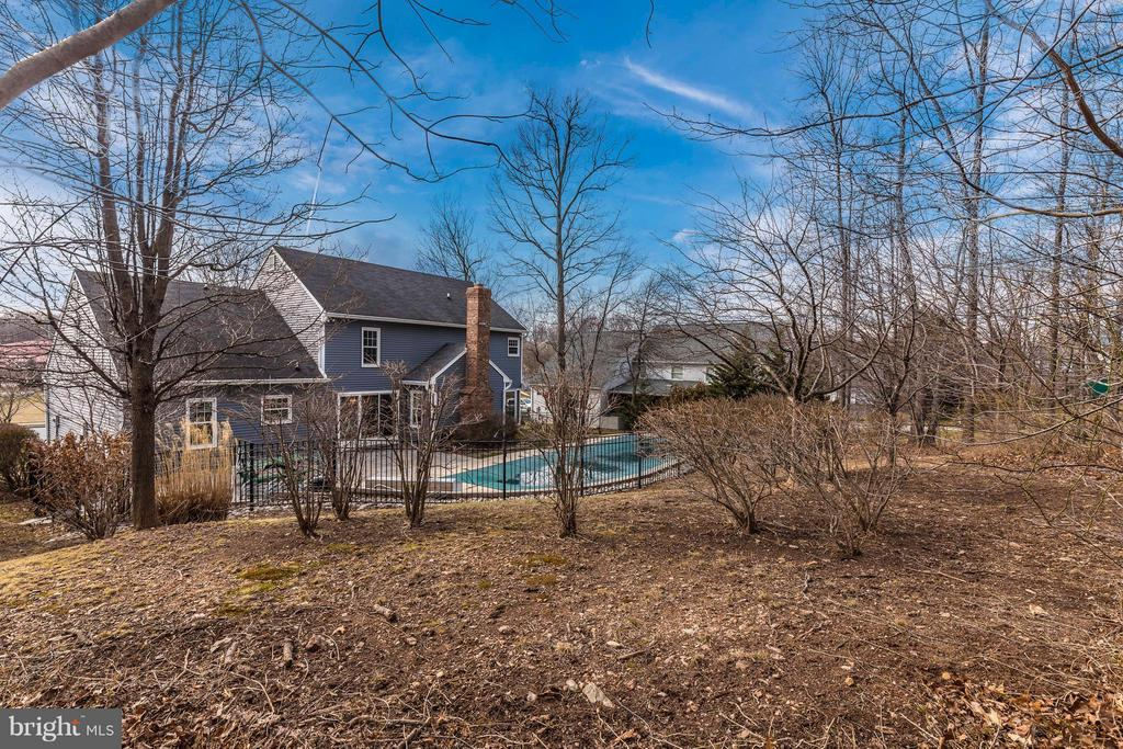 Yard Extends Beyond Fence - 1003 DEER HOLLOW DR, MOUNT AIRY