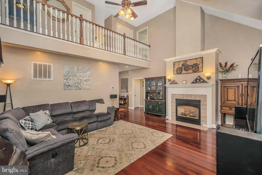 Grand yet cozy... - 103 MONTICELLO CIR, LOCUST GROVE