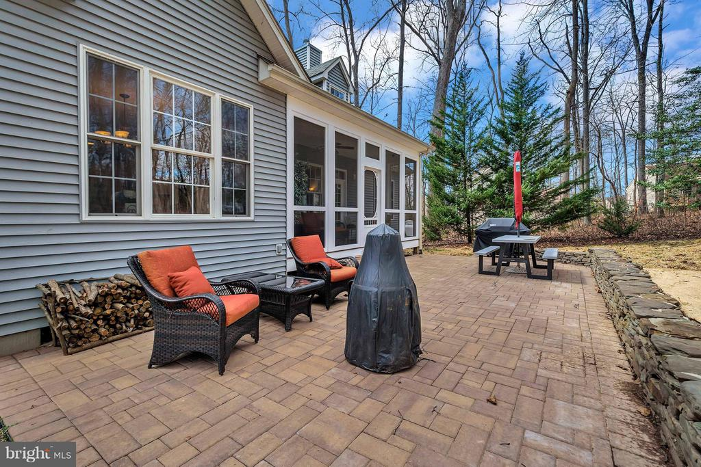 New stone patio and rock wall - 103 MONTICELLO CIR, LOCUST GROVE