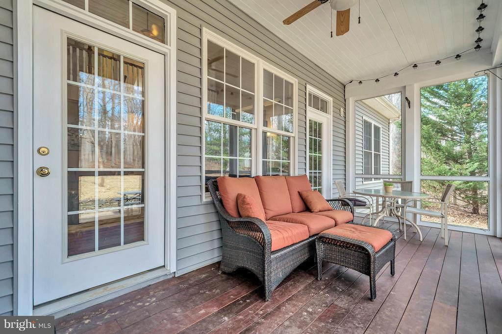 Screened Porch off Family Rm and Dining - 103 MONTICELLO CIR, LOCUST GROVE
