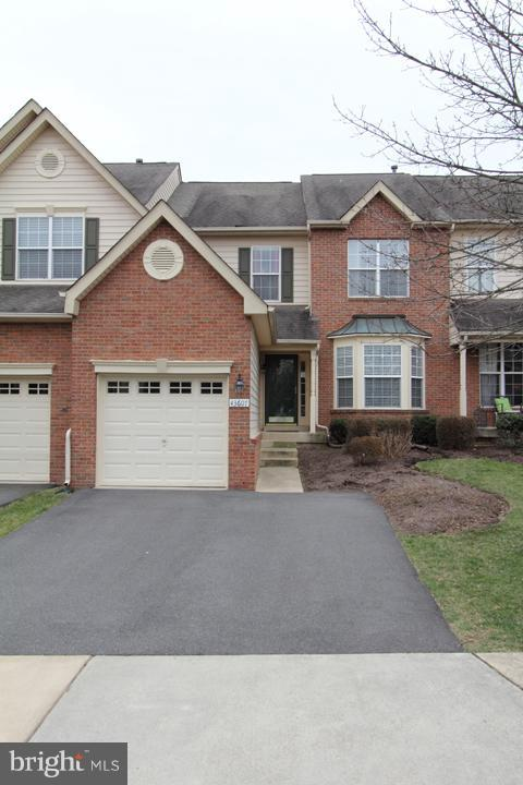 Exterior (Front) - 43607 RYDER CUP SQ, ASHBURN