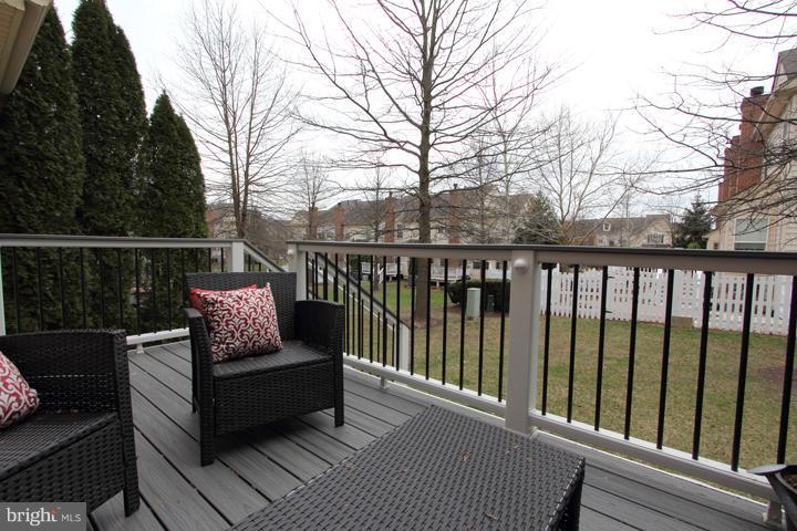 New trex deck overlooking backyard - 43607 RYDER CUP SQ, ASHBURN