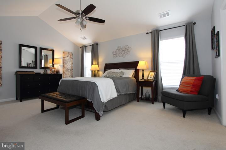 Spacious master bedroom - 43607 RYDER CUP SQ, ASHBURN