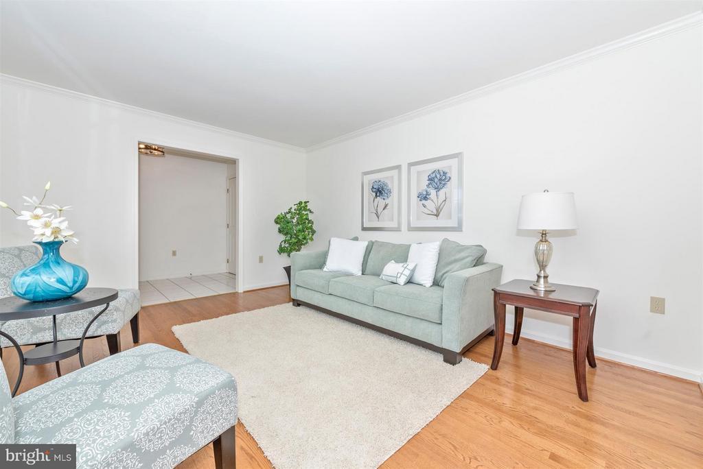 Living Room - 8210 FOX HUNT LN, FREDERICK