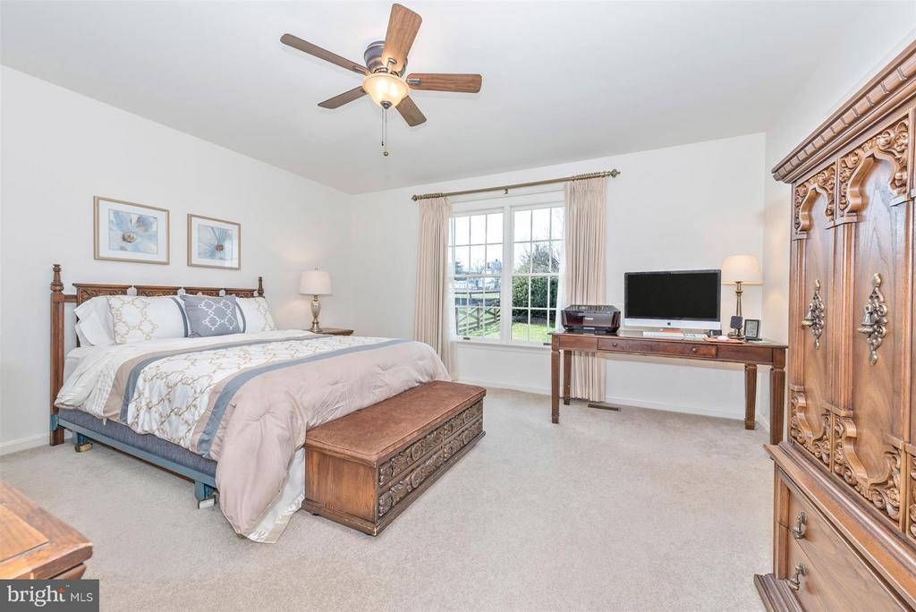 Master bedroom - 8210 FOX HUNT LN, FREDERICK