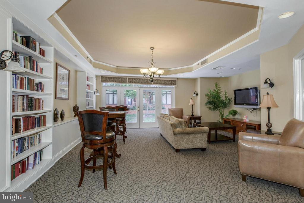 PARTY ROOM and LIBRARY! - 1001 VERMONT ST N #508, ARLINGTON