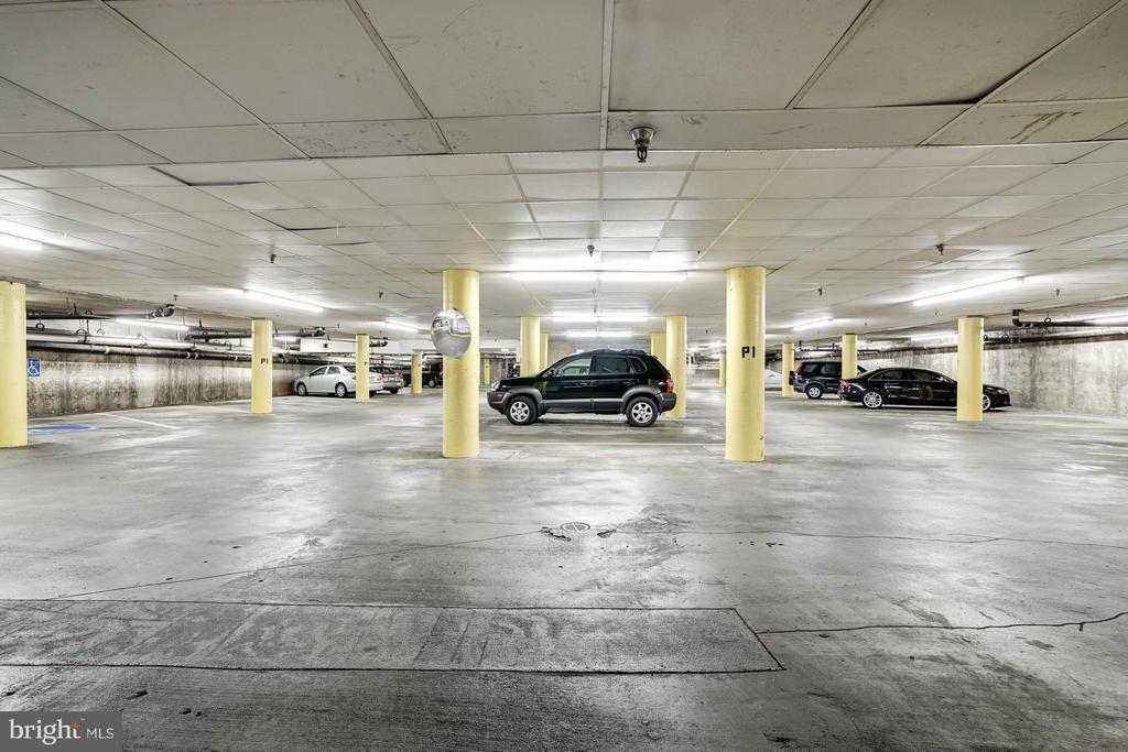 PARKING GARAGE - 1 PARKING SPACE CONVEYS! - 1001 VERMONT ST N #508, ARLINGTON