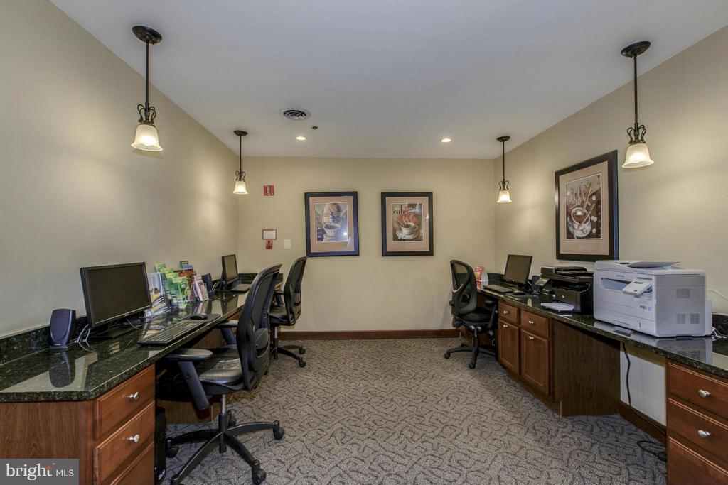 BUSINESS CENTER with COMPUTERS, PRINTERS, COFFEE! - 1001 VERMONT ST N #508, ARLINGTON