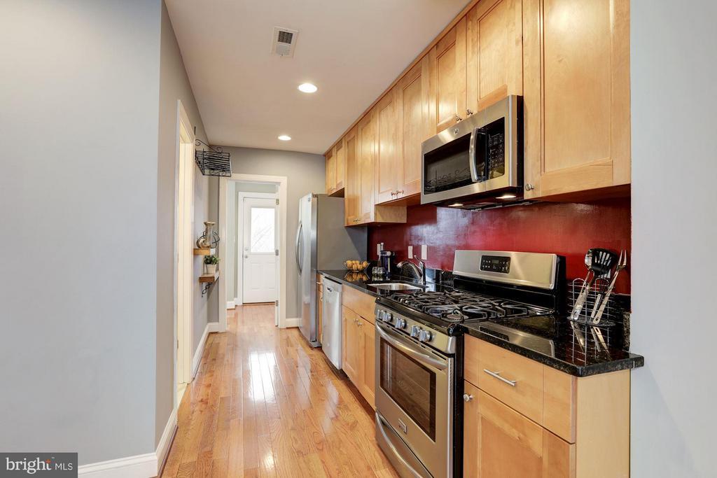 Kitchen - 1326 DOWNING PL NE #3, WASHINGTON