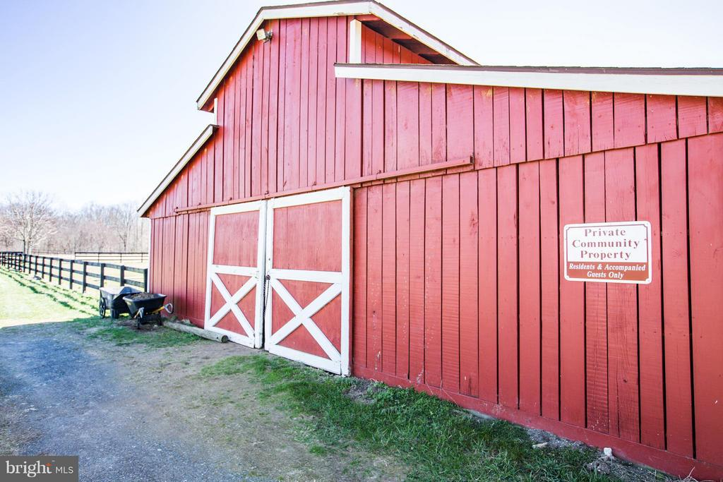 Community barn! - 190 THE VANCE WAY, FREDERICKSBURG