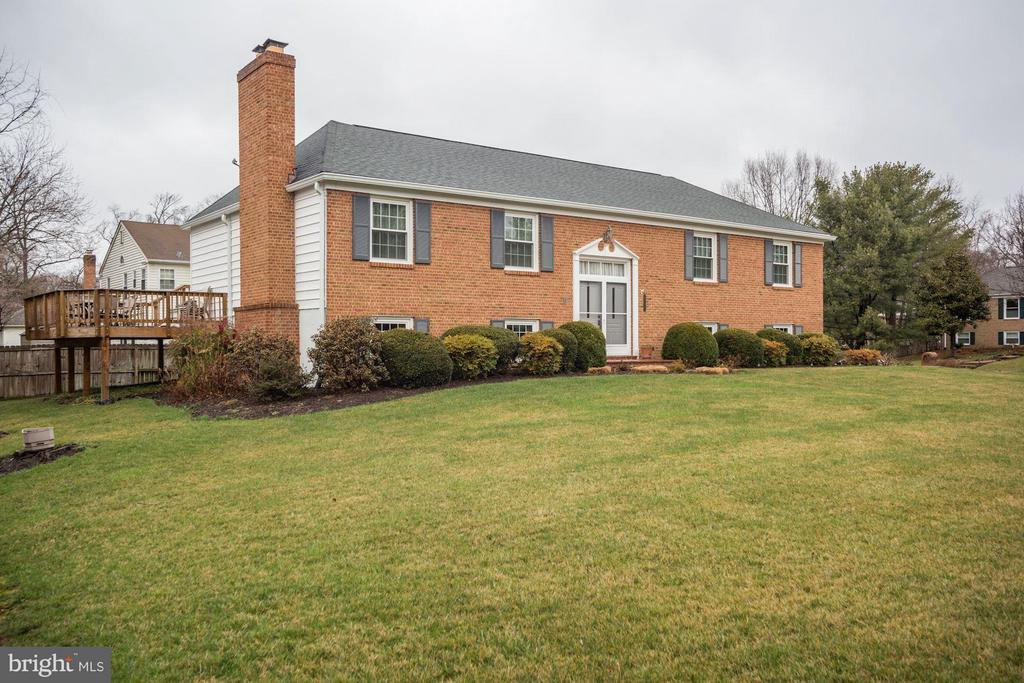 Gorgeous Curb Appeal! - 9324 HEATHER GLEN DR, ALEXANDRIA