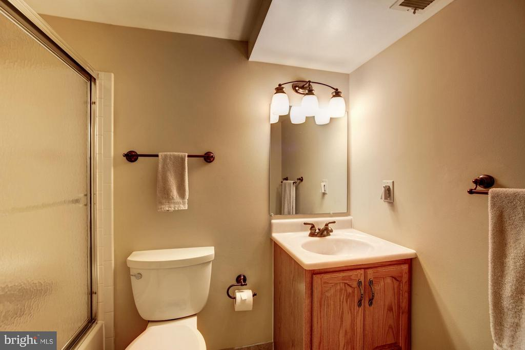 3rd Full Bath - Lower Level - 9324 HEATHER GLEN DR, ALEXANDRIA