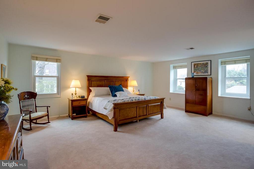 Bedroom (Master) - 2527 HEATHCLIFF LN, RESTON