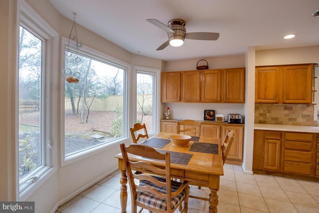 Breakfast Room with Picture Window - 2527 HEATHCLIFF LN, RESTON