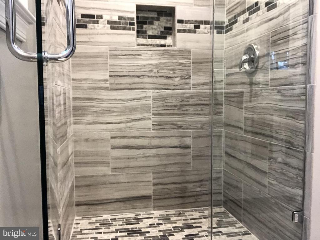 Bath (Master) - 4312 ARGONNE DR, FAIRFAX