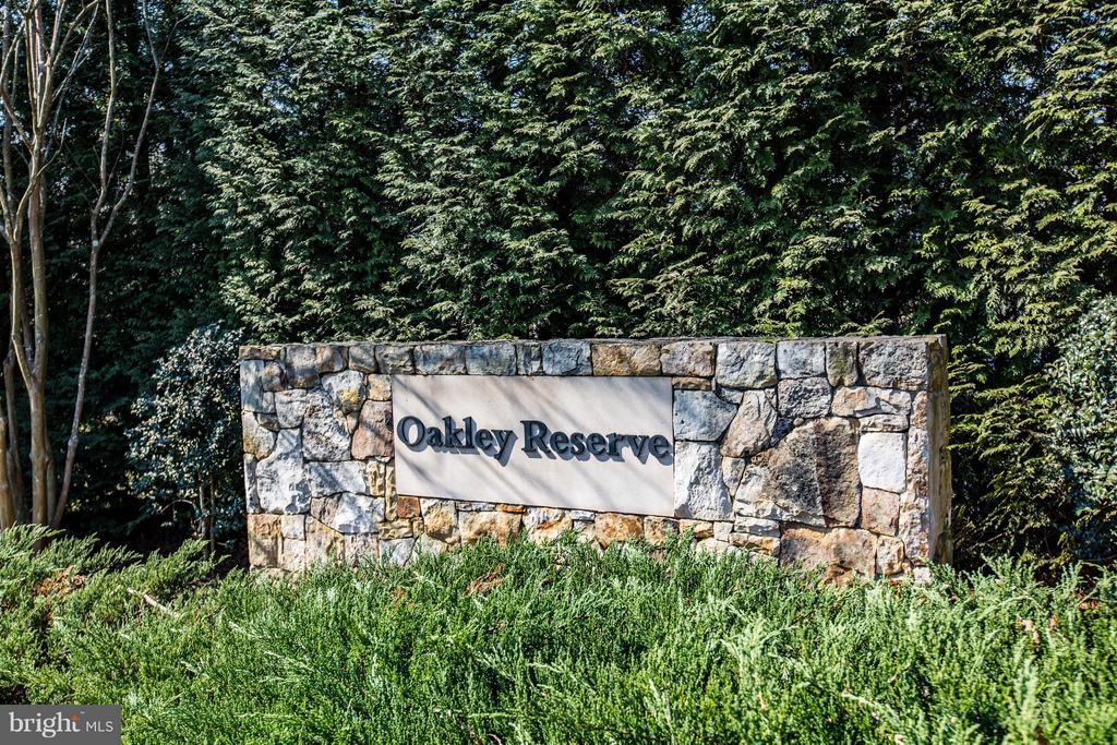 Located in prestigious Oakley Farms community - 51 JANNEY LN, FREDERICKSBURG