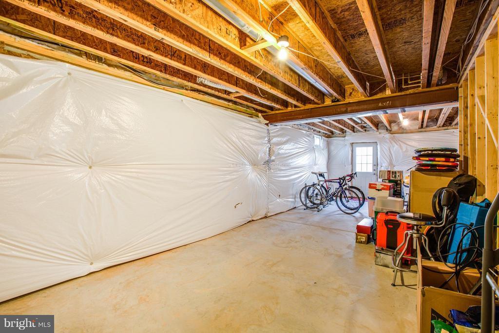 Full walkup basement for additional 1,400 SF - 51 JANNEY LN, FREDERICKSBURG