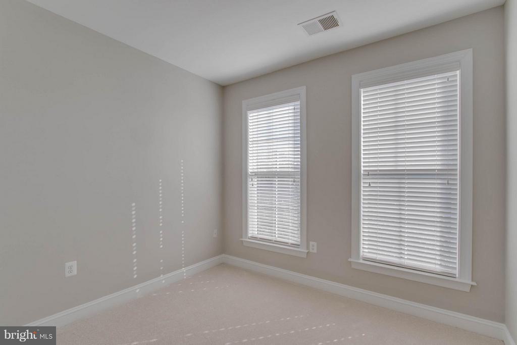 Bedroom - 800 BRANCH DR, HERNDON