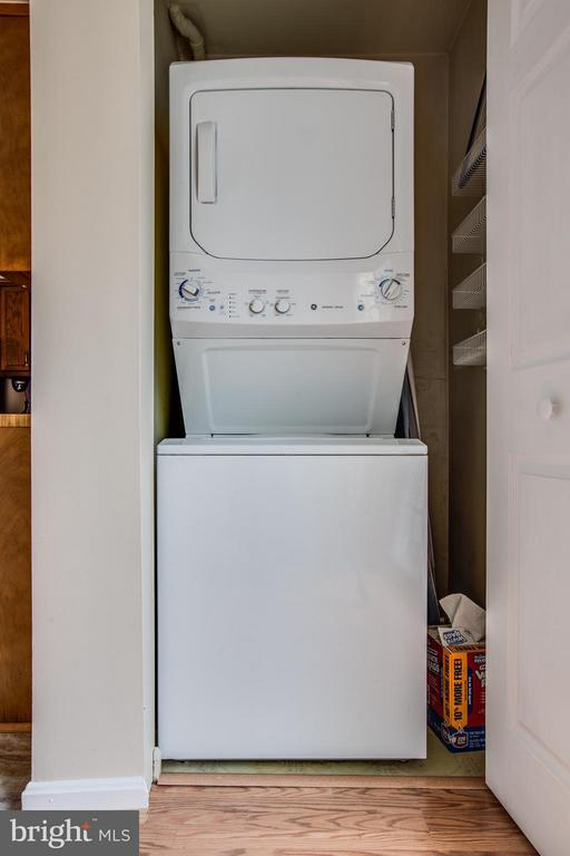 Newer Stacker washer & dryer - 305 SURRY LN, STAFFORD