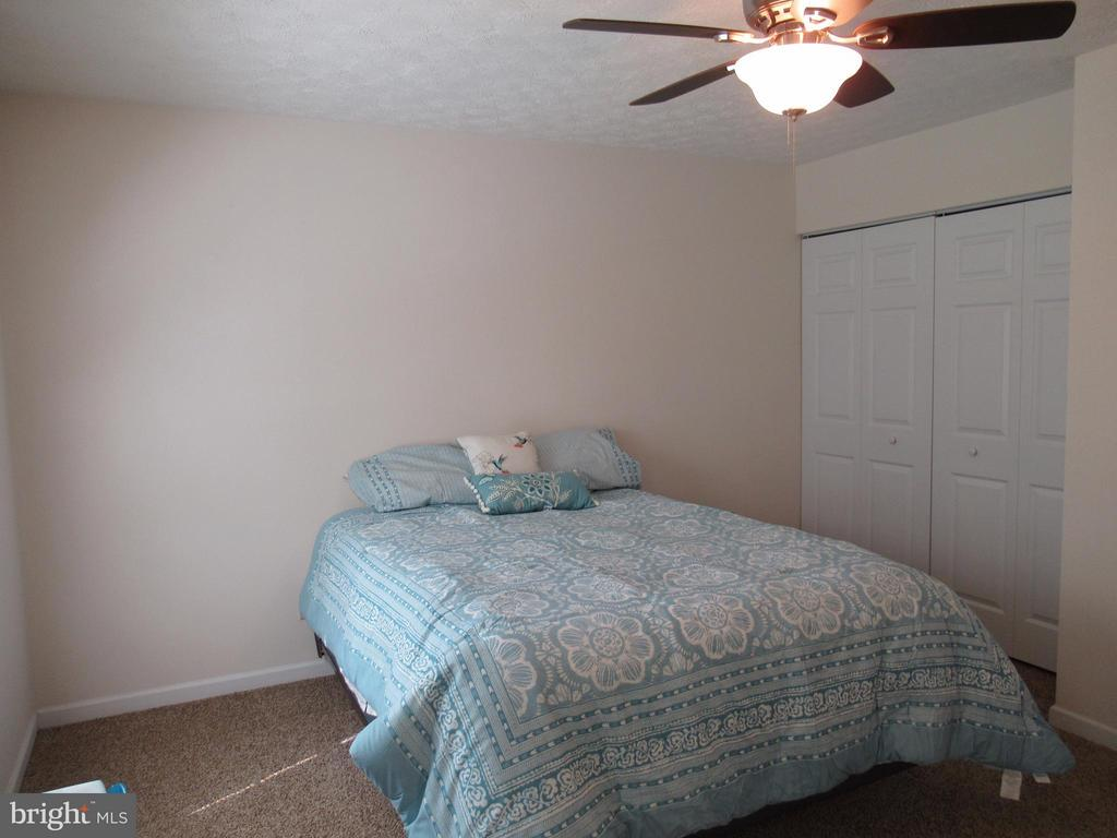 Another view of the Master Bedroom - 185 DOGWOOD DR, LOUISA