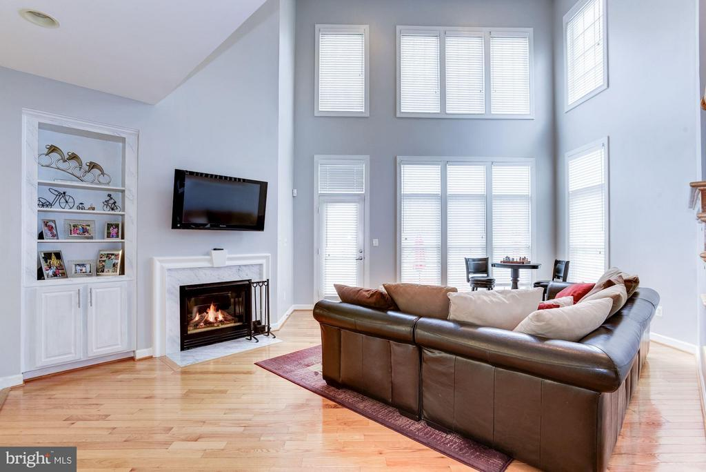 Family Room - 3858 FARRCROFT DR, FAIRFAX