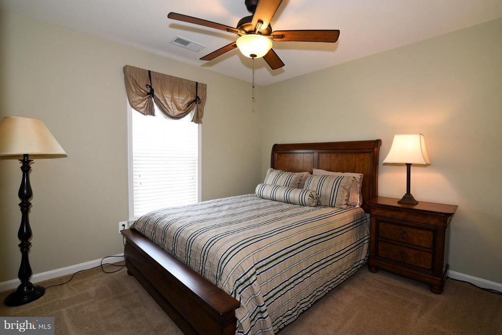 Bedroom 2 - 21275 FAIRHUNT DR, ASHBURN