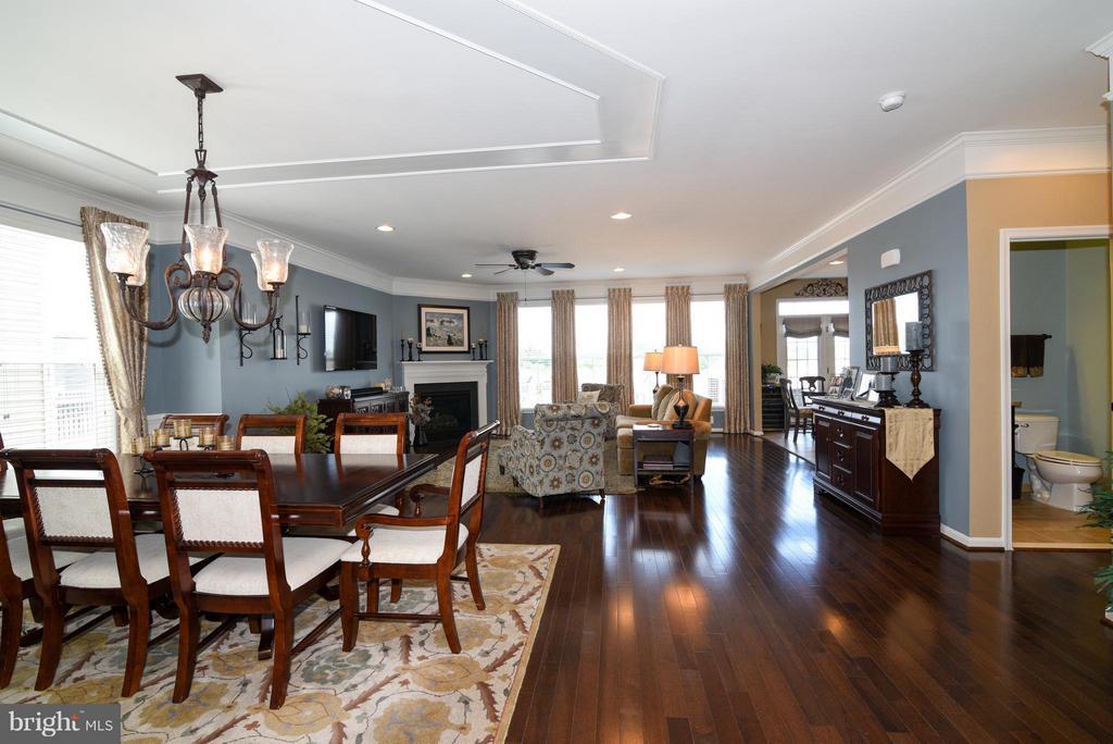 Living Room with Hickory floors - 21275 FAIRHUNT DR, ASHBURN