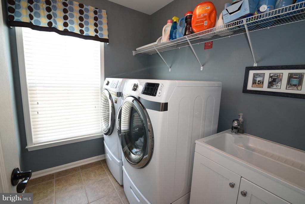 Laundry room on Upper Level - 21275 FAIRHUNT DR, ASHBURN