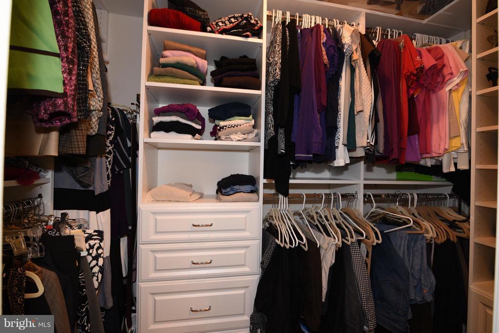 Custom Closets by Eco-Nize - 21275 FAIRHUNT DR, ASHBURN