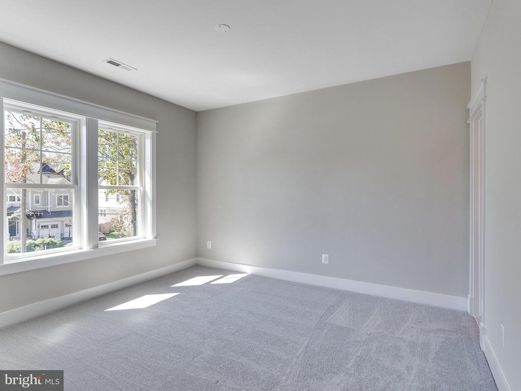 Bedroom - 1560 HANE ST, MCLEAN
