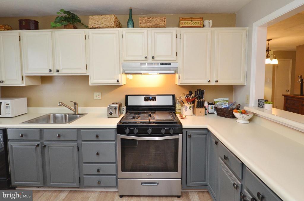 Kitchen with New Refrigerator,Range and Range Hood - 10168 OAKTON TERRACE RD #10168, OAKTON