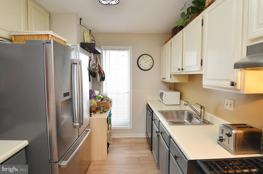 Kitchen - 10168 OAKTON TERRACE RD #10168, OAKTON