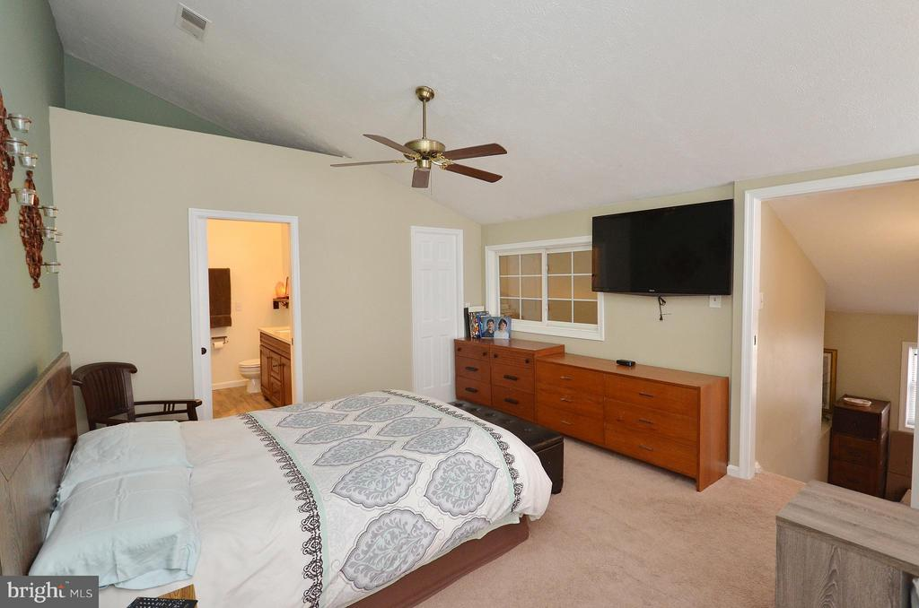 Master Bedroom - 10168 OAKTON TERRACE RD #10168, OAKTON