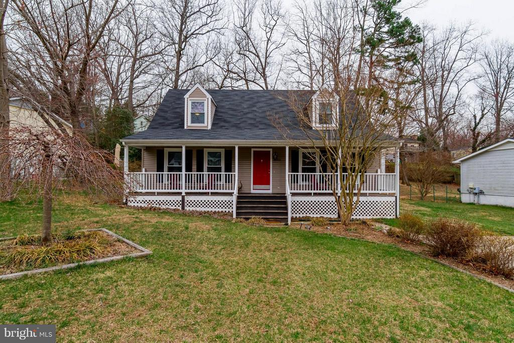 Look no further! - 18909 RED OAK LN, TRIANGLE