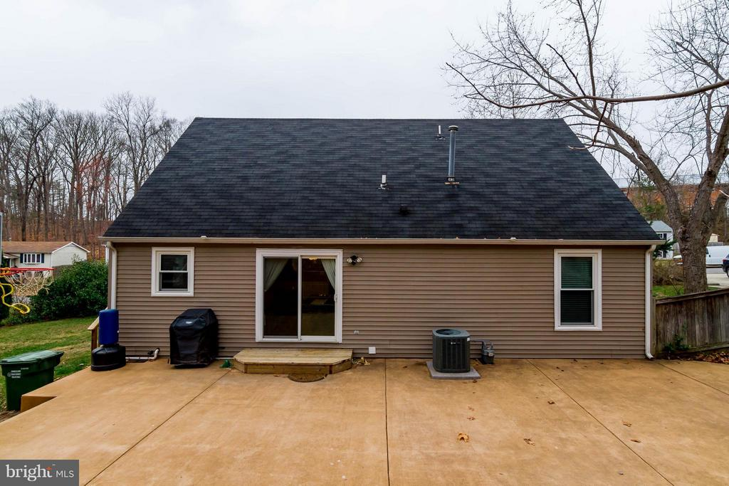 Large patio for fun and entertaining! - 18909 RED OAK LN, TRIANGLE