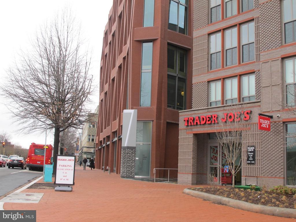 Trader Joe's, YES! Organic Market are blocks away - 116 NORTH CAROLINA AVE SE #204, WASHINGTON