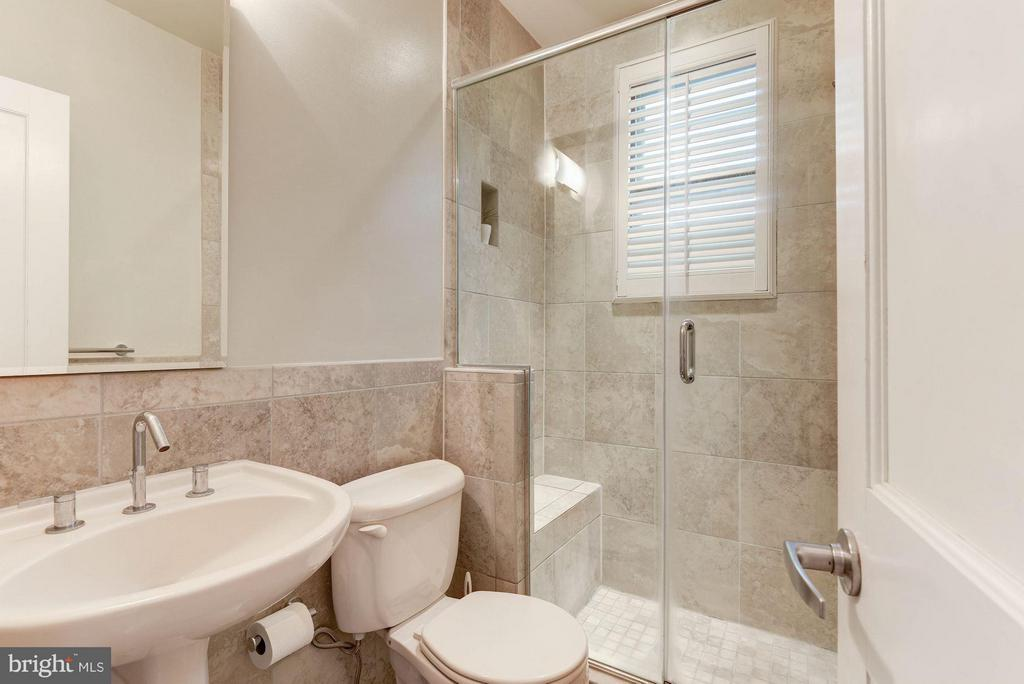 Custom Tiled Bath - 116 NORTH CAROLINA AVE SE #204, WASHINGTON