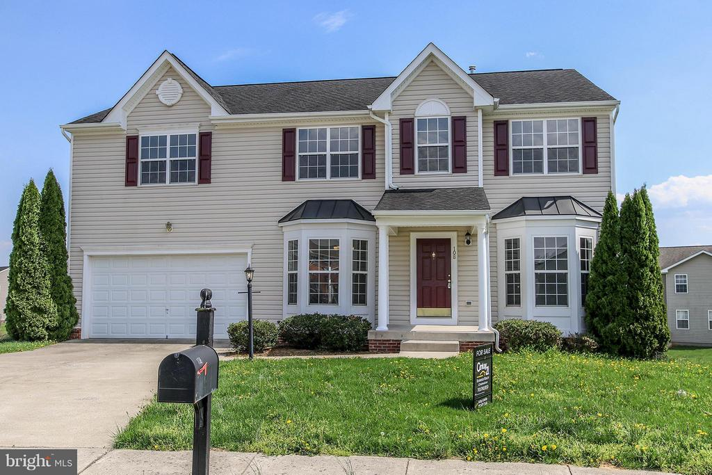 Perfectly sited at the end of a quiet cul de sac - 108 CHARDIN CT, MARTINSBURG